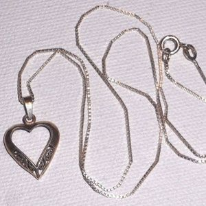 Jewelry - Vintage Sterling Silver Filigree Heart Necklace